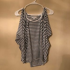 American eagle size large flowy b&w top